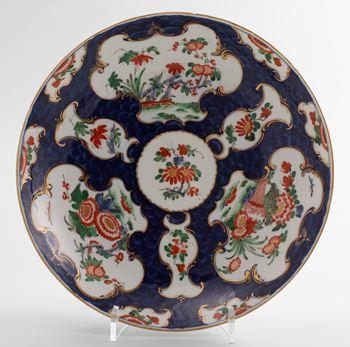 A Worcester saucer dish,