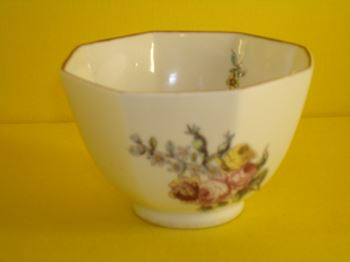 A Chelsea octagonal small bowl