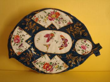 An unusual Worcester cabbage leaf shaped dish