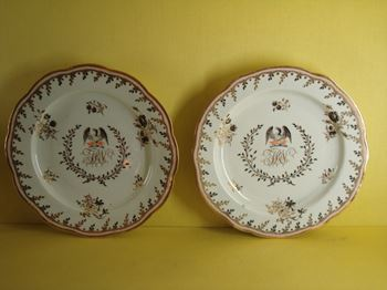 A pair of Chamberlain's Worcester plates