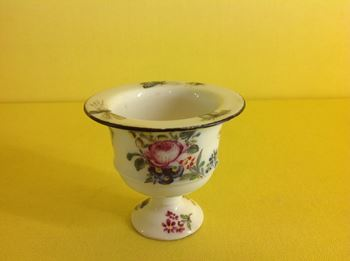 A rare Bow miniature vase