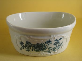 A rare Worcester oval potted meat tub