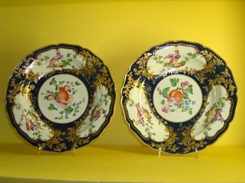 A rare pair of Worcester plates