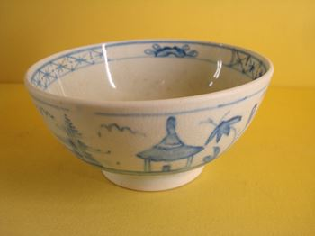 A rare very early Bow small bowl
